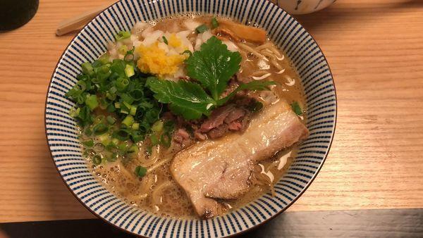 「ラム煮干ラーメン」@自家製麺 MENSHO TOKYOの写真