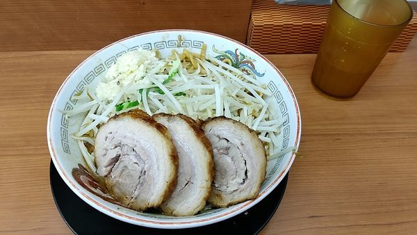 「小ラーメン+豚1枚」@ラーメン豚山 平塚店の写真