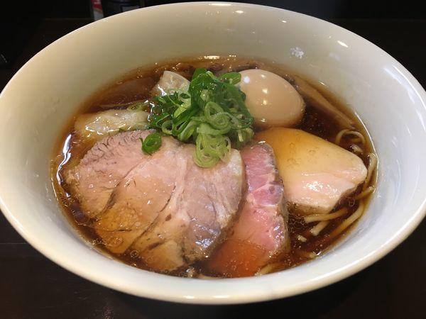 「特製 醤油」@らぁ麺 すぎ本の写真
