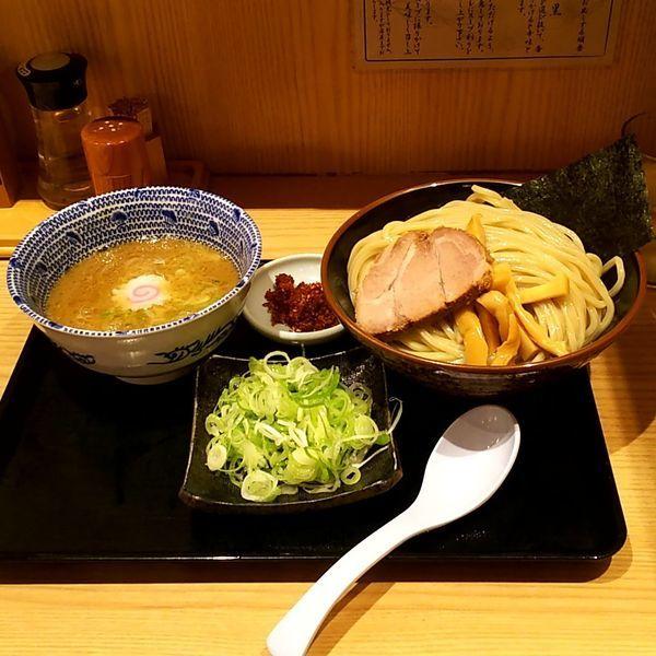 「赤辛つけめん(並盛)+ねぎ」@舎鈴 大島駅前店の写真