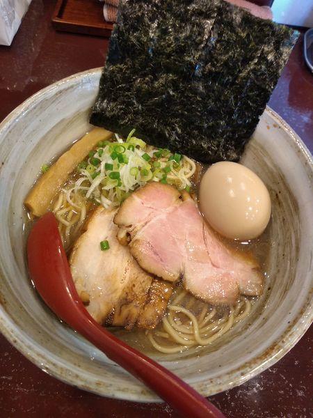 「煮干しそば (醤油) 780円 味玉(ラーパス)」@麺屋 照の坊の写真