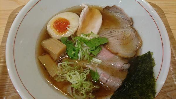 「特製醤油らぁ麺」@らぁ麺屋まるわの写真