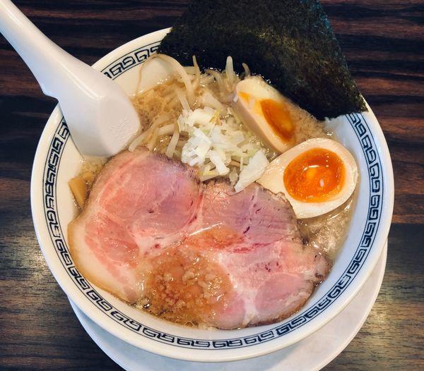 「背脂醤油(細・固め・濃いめ¥750)」@稲荷屋の写真