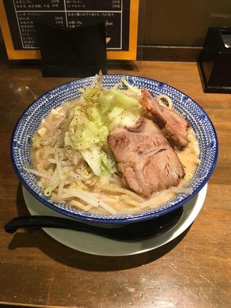 「食べ二郎らーめん(醤油)+ニンニク」@麵屋 食べいろの写真