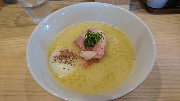 「白トリュフオイル香る鶏白湯麺」@らーめんMAIKAGURAの写真