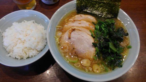「チャーシュー麺、ほうれん草、海苔、ライス」@金八家の写真