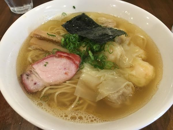 「特製雲吞麺(白だし)」@支那そば 大和 稲荷町本店の写真