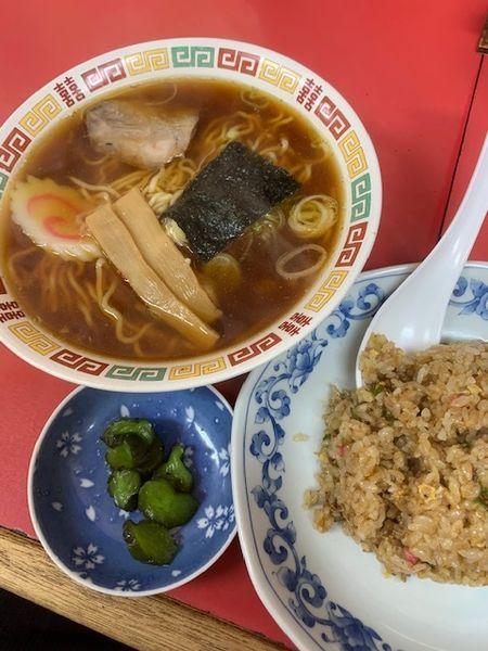 「ラーメン・半チャーハンセット 700円」@中華料理 新華楼の写真