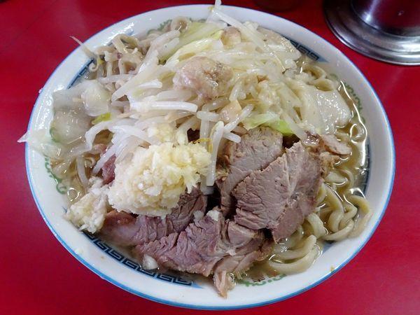 「小ラーメン豚入り(600円)ヤサイニンニクアブラ」@ラーメン二郎 目黒店の写真