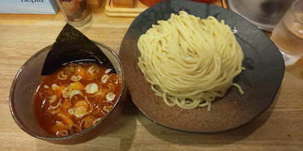 「辛味つけ麺中盛」@つけ麺屋 やすべえ 新宿店の写真