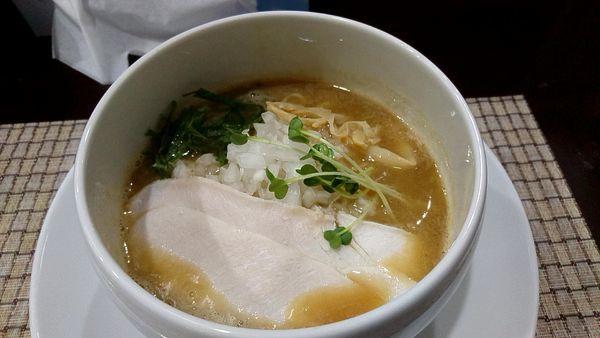 「濃厚鶏白湯 800円」@麺屋 銀二の写真