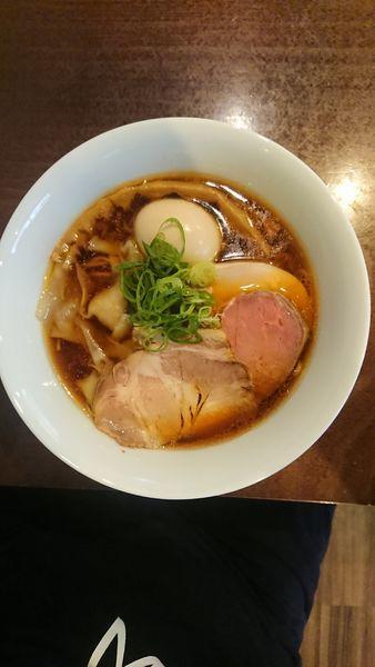 「特製らぁ麺醤油」@らぁ麺 すぎ本の写真