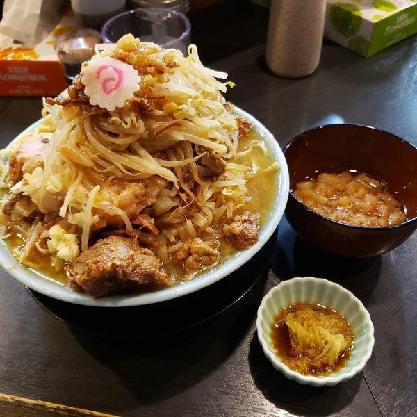 「豚増しラーメン+野菜増し+あぶら増し+生姜ダレ」@自家製麺 No11の写真