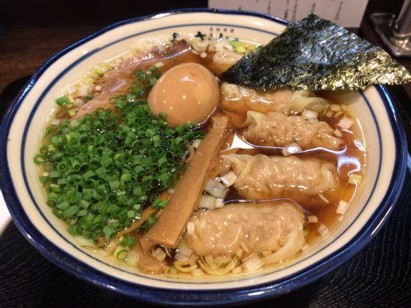 「わんたん麺 煮玉子入り」@さんかくの写真