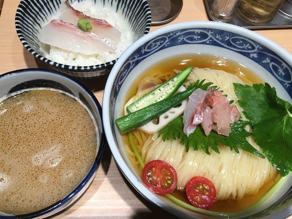 「金目鯛のつけそば(真鯛の湯引きご飯付)」@寿製麺 よしかわ 西台駅前店の写真
