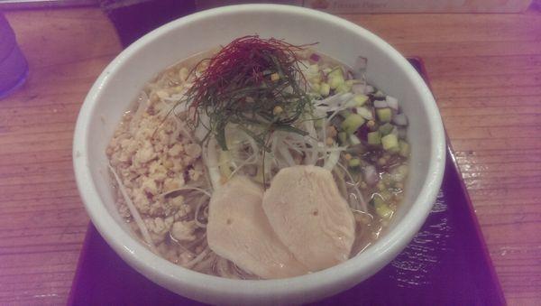 「鯛にぼ冷しそば、大盛」@辛っとろ麻婆麺 あかずきんの写真