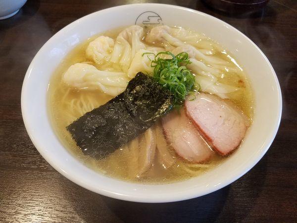 「特製ワンタン麺(肉、海老ハーフ)白ダシ」@八雲の写真