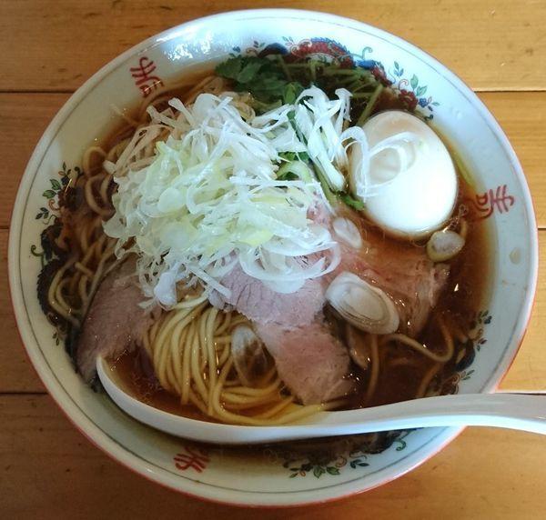 「鶏そば+味玉」@餃子と麺 こむぎの写真