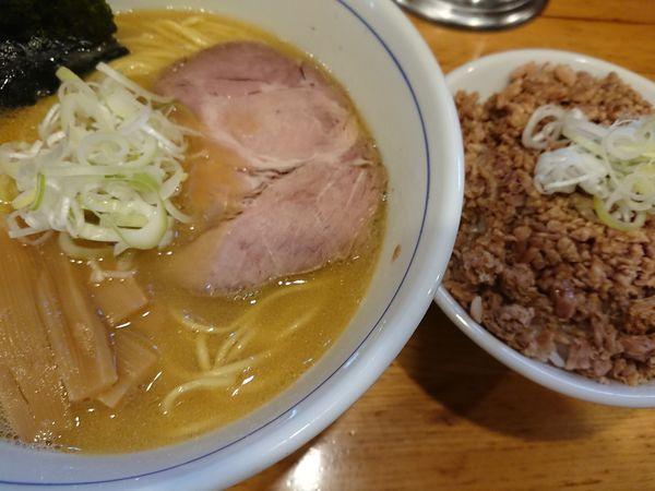 「ラーメンとチャーシュー丼」@麺屋はし本の写真