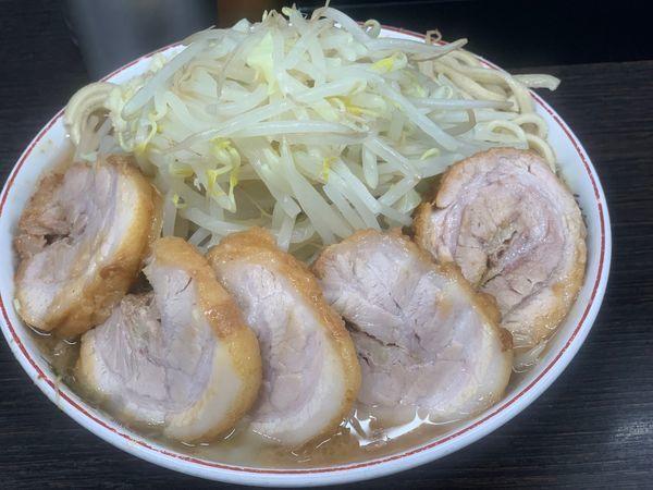 「小豚ニンニク少なめ」@ラーメン二郎 川越店の写真