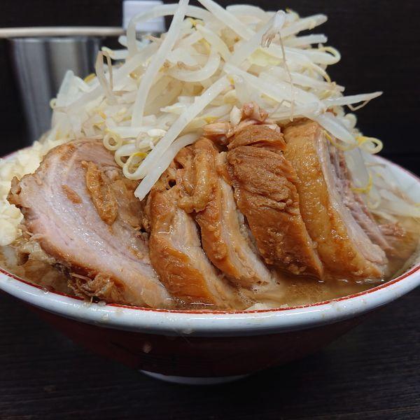 「小豚ラーメン900円ヤサイニンニク。」@ラーメン二郎 川越店の写真