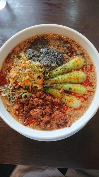 「黒ごま担々麺大盛」@つけ麺や 辰盛の写真