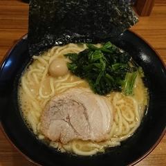 横浜家系ラーメン 壱角家 松戸店の写真