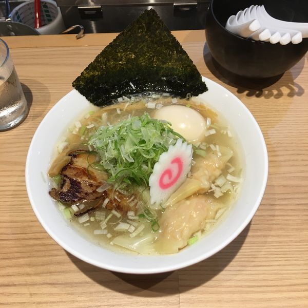 「雲呑塩蕎麦+味玉」@初代葱寅 御茶ノ水店の写真