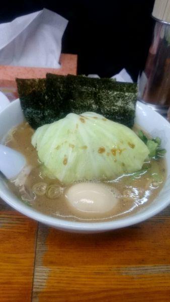 「キャベ玉ラーメン(800円)」@横浜ラーメン厨房 うえむらやの写真