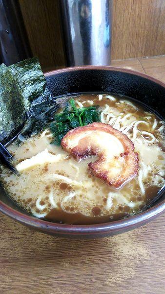 「豚鶏黒ラーメン(縮れ麺)+餃子」@江戸一の写真