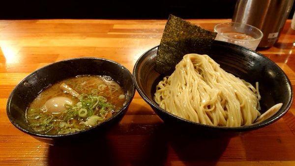 「つけ麺880円+クーポン券で味玉」@瞠 池袋店の写真