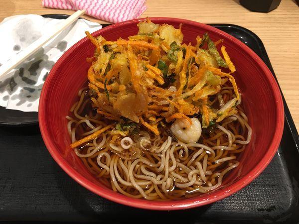 「天ぷら蕎麦」@ANA FESTA 52番ゲートフードショップの写真