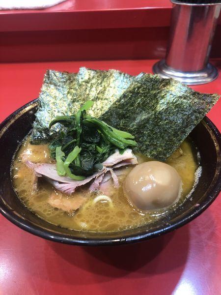 「チャーシュー麺+味玉」@家系総本山 吉村家の写真