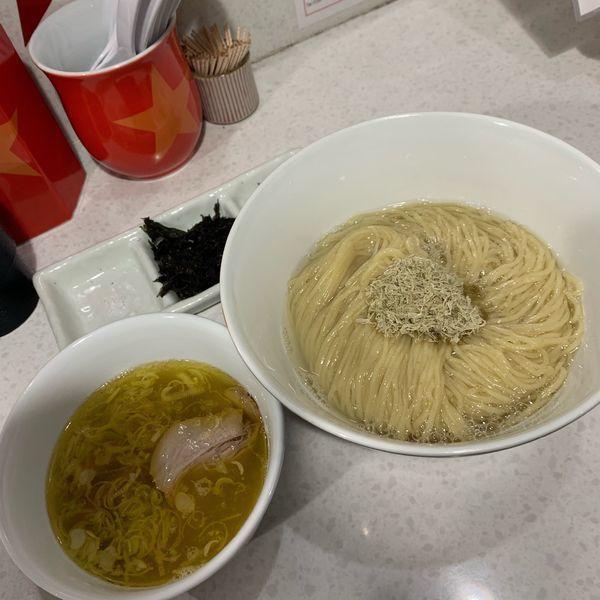 「紀州南高梅をつぶしながら食べる塩つけ麺1150円」@ラーメン星印の写真