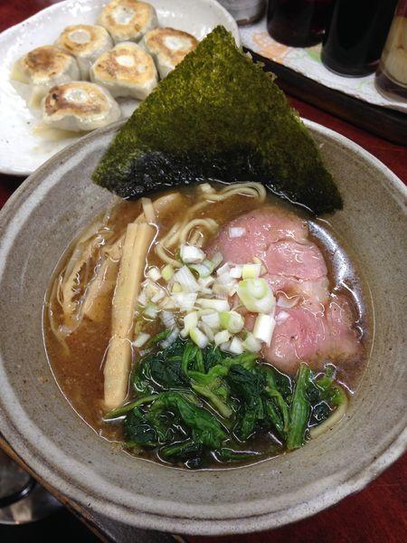 「らーめん 750円 餃子 350円」@拉麺工房 暁の写真
