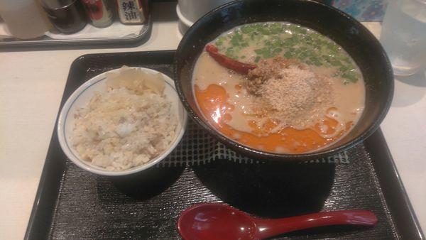 「味噌担々麺900円 鳥生姜ご飯150円」@担々麺  くらもと 下総中山店の写真
