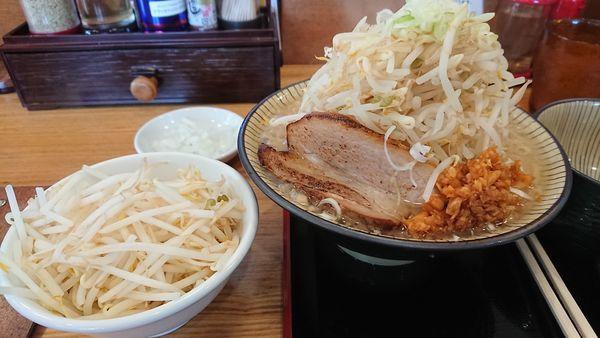 「富士ラーメン 醤油 もやし、玉ねぎ増し」@優勝軒 日立店の写真