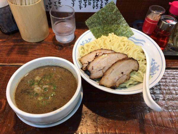 「こってり煮干しつけ麺チャーシュー(1150円)」@初代青樹の写真