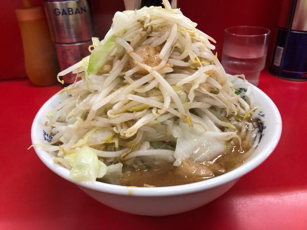 「小麺半分ニンニクヤサイアブラ」@ラーメン二郎 松戸駅前店の写真