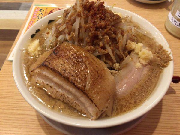 「ブタメン(小 麺150g)+厚切りあぶりチャーシュー」@ラーメンブタヒロの写真