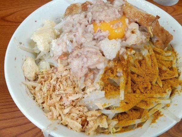 「汁なし+カレー粉(麺少なめアブラヤサイニンニク)」@ラーメン二郎 亀戸店の写真