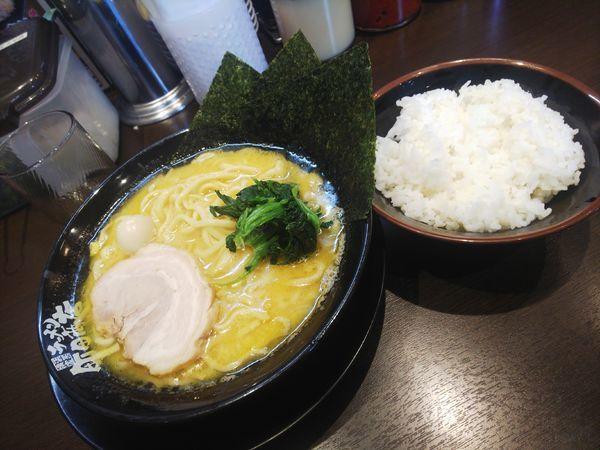 「ラーメン(クーポンライス)」@町田商店 入間店の写真