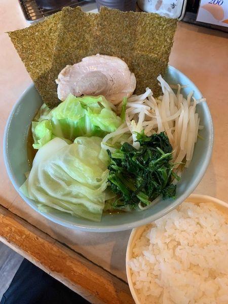 「キャベツラーメン 770円(麺ヤワ・サービスライス付き)」@山藤家の写真