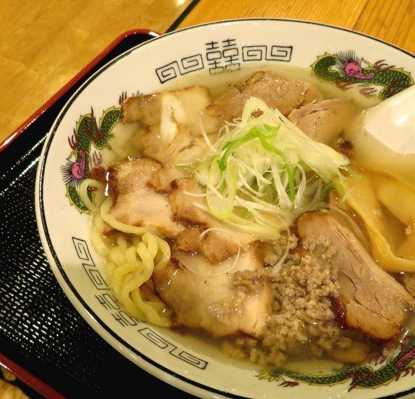 「麺処空山【雲・肉盛り】(950円)」@日本橋ふくしま館 MIDETTE ミデッテの写真