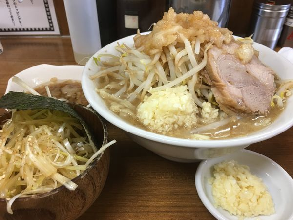 「ラーメン(ニンニクマシマシ アブラ)+味ネギ」@ラーメンの店 どでんの写真