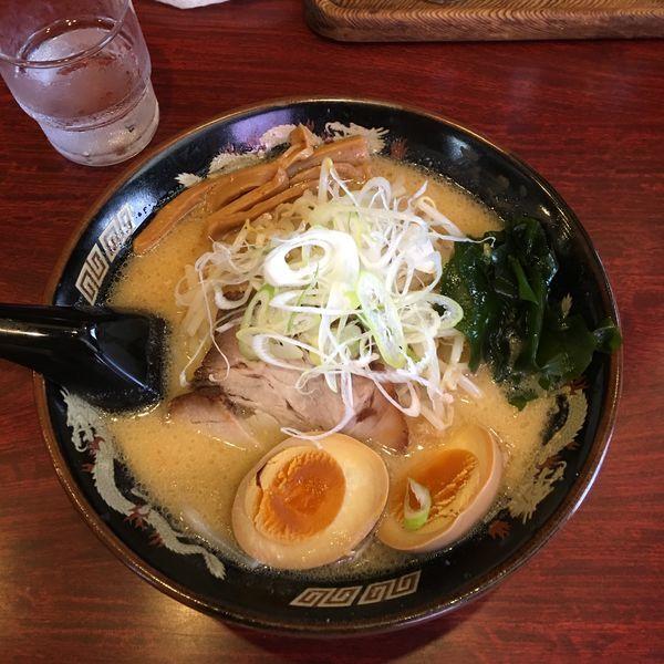 「味噌ラーメン 味玉」@北海道らーめん ひむろ 上野店の写真