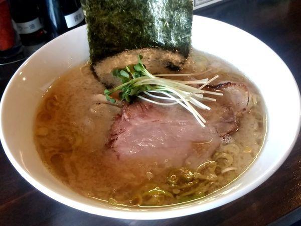 「背脂醤油らーめん(並盛・130g)780円」@麺や まる喜の写真