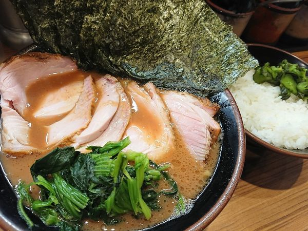 「チャーシュー麺と白米」@横浜家系らーめん 輝道家の写真