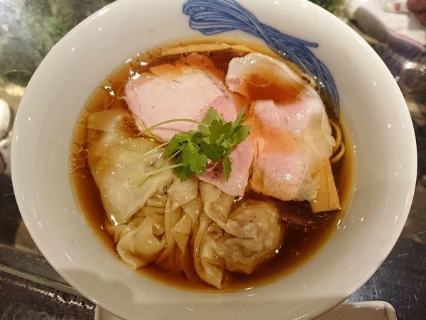 「清湯 醤油わんたん麺」@ジャパニーズラーメンヌードルラボ Qの写真