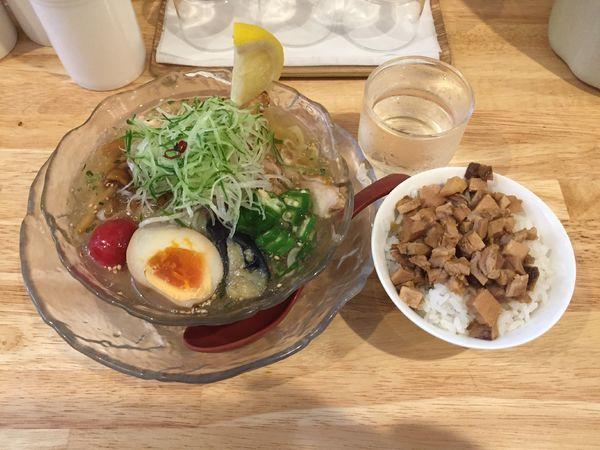 「【夏季限定】冷やし鶏そば+ランチライス」@らーめん天神下 大喜の写真